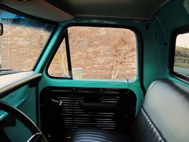 1968 FORD F100 SHORT BED PICKUP TRUCK 13.jpg