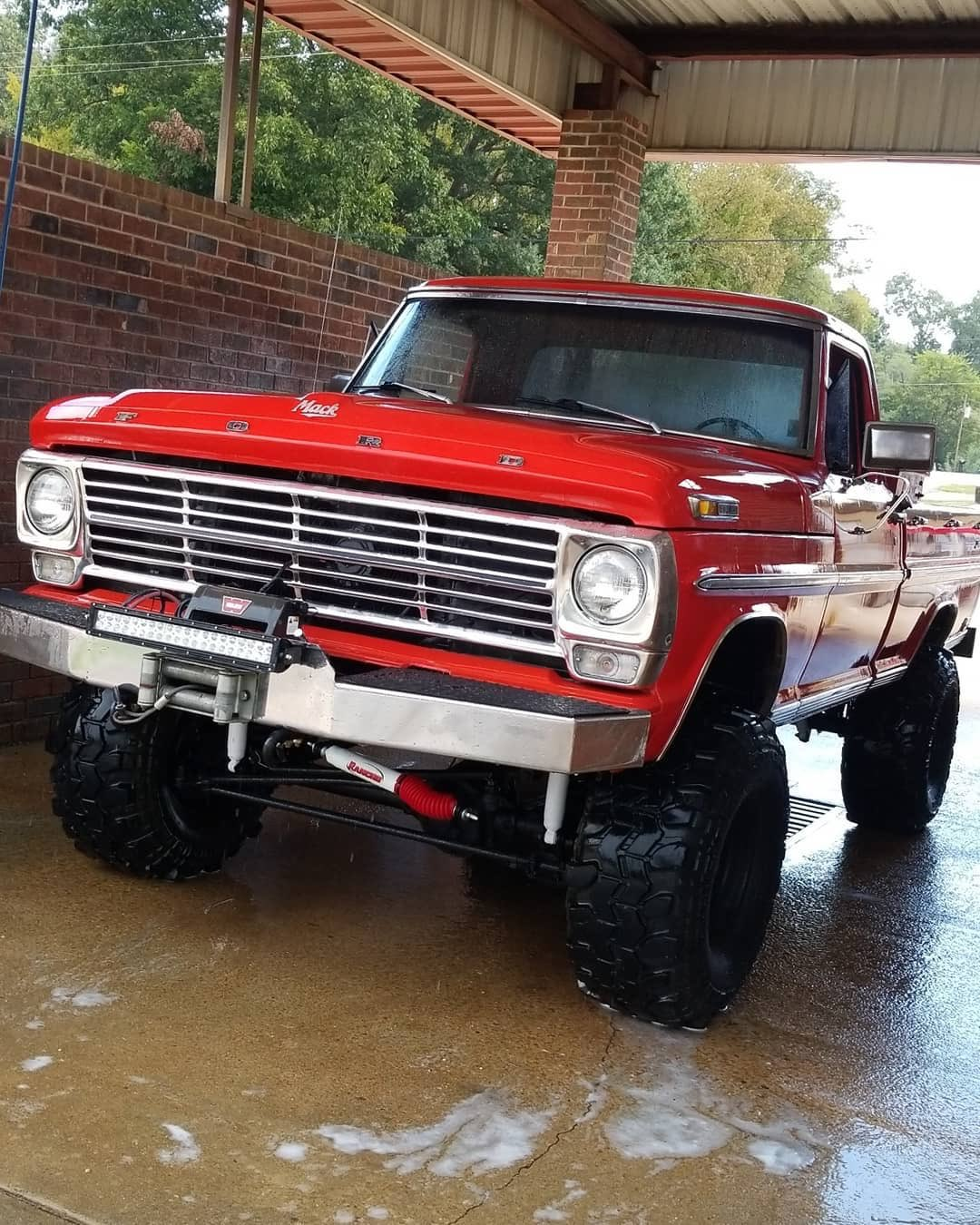 1968 Ford F100 With a 460 4x4 3.jpg