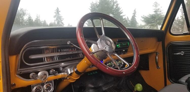 1968 Ford F350 With Harley Davidson Edition Seat 4.jpg