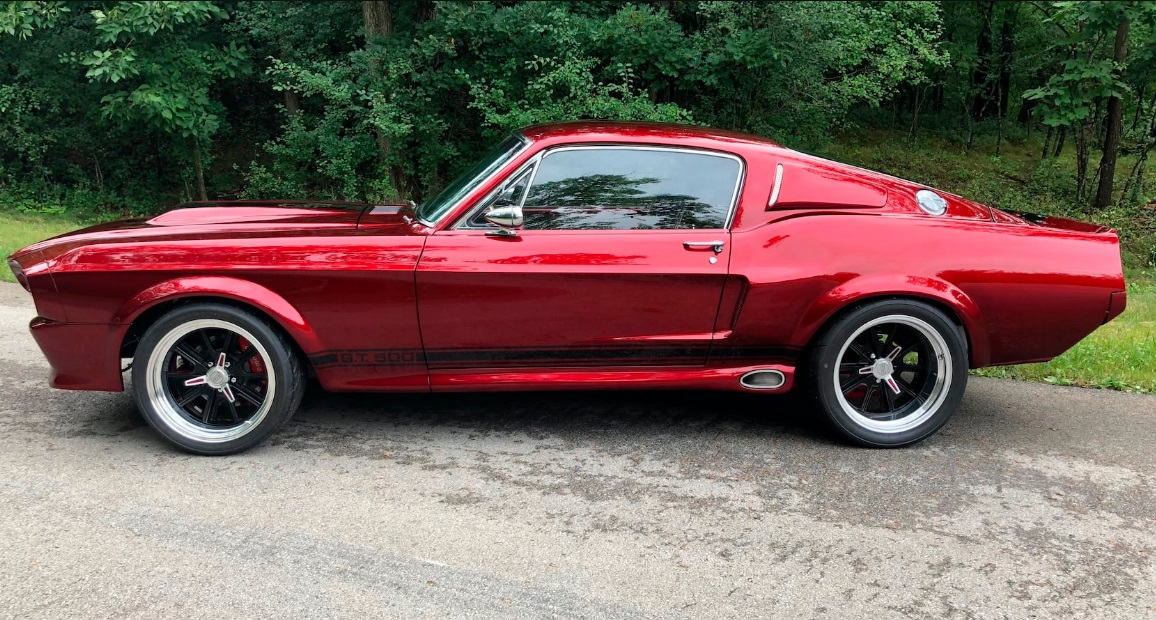 1968 FORD MUSTANG 200 MPH CANDY BRANDYWINE WITH BLACK RACING STRIPES 2.jpg