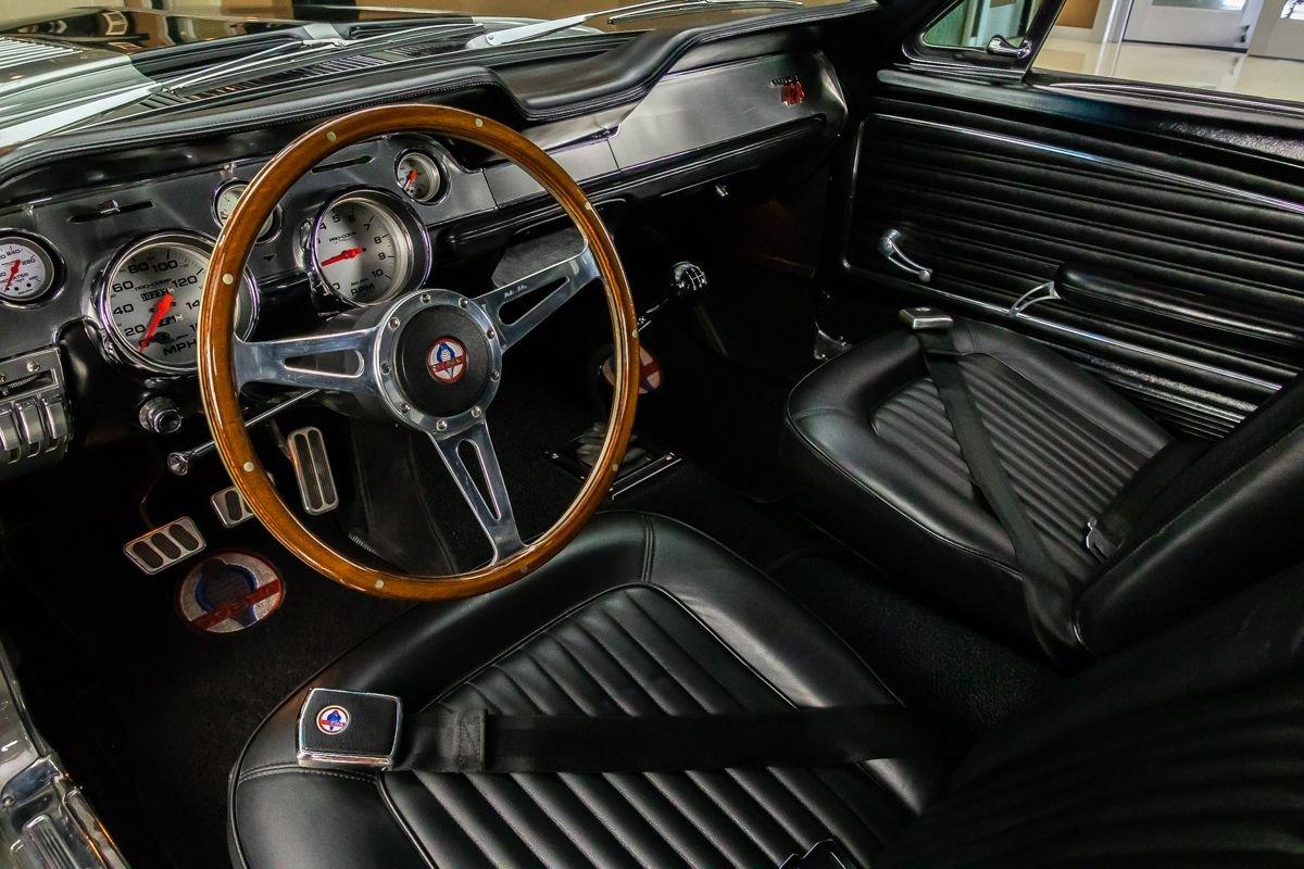 1968-ford-mustang-fastback-restomod (2).jpg