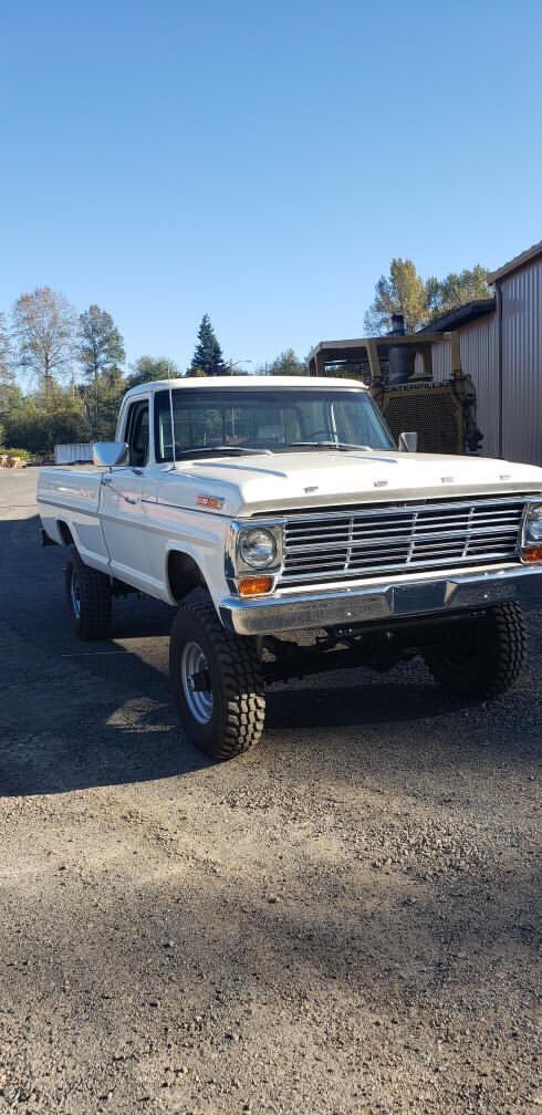 1969 Ford F-250 Highboy 4x4  3.jpg