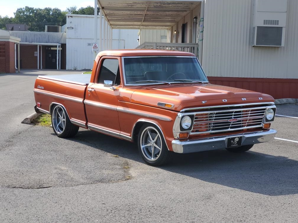 1969 Ford F100 With 351 Windsor M5OD 5 Speed Trans 2.jpg