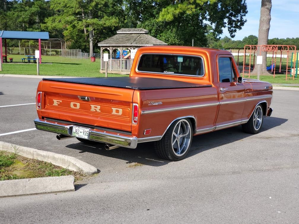 1969 Ford F100 With 351 Windsor M5OD 5 Speed Trans 4.jpg