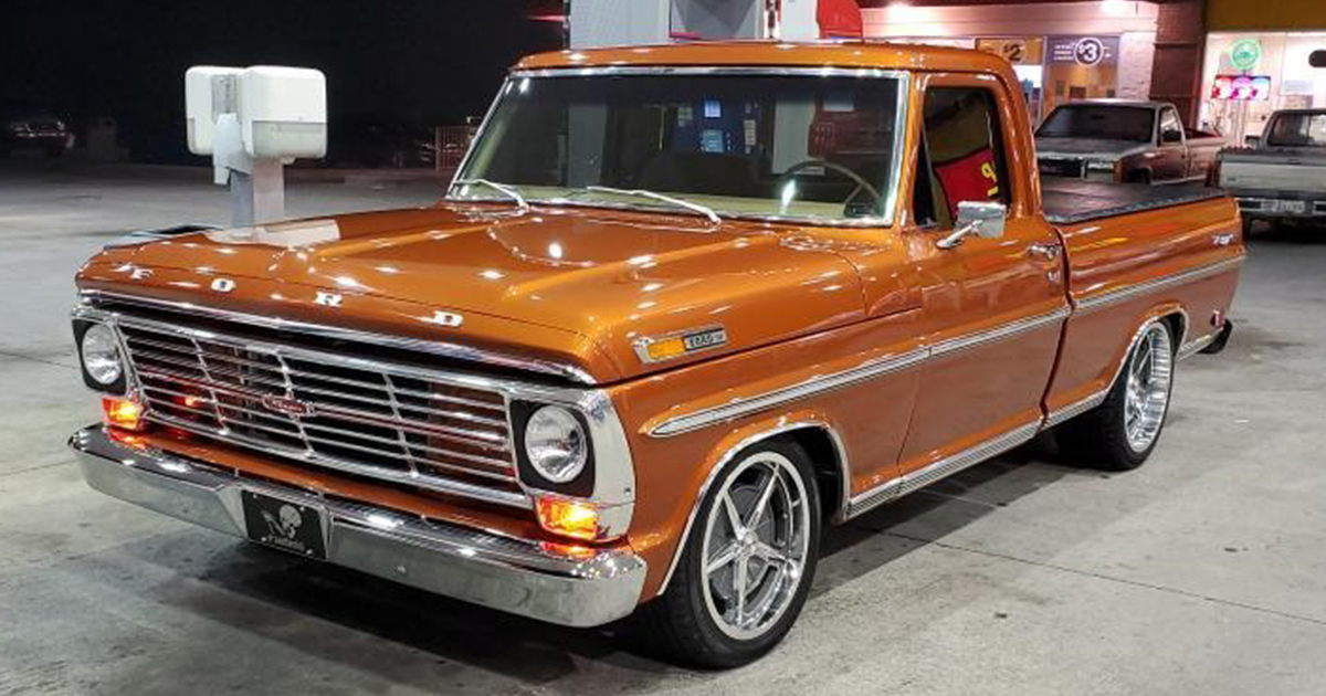 1969 Ford F100 With 351 Windsor M5OD 5 Speed Trans.jpg