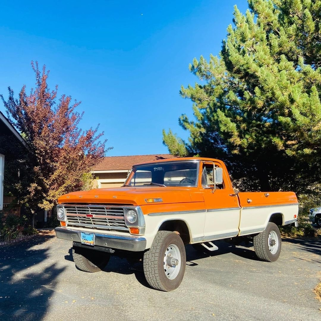 1969 Ford F250 Highboy Bumpside Two Tone 4x4 4.jpg