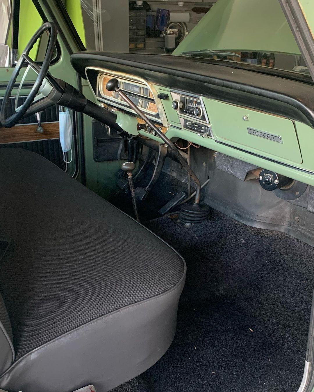 1969 Ford F250 Ranger 360FE 4x4 - For Sale 7.jpg