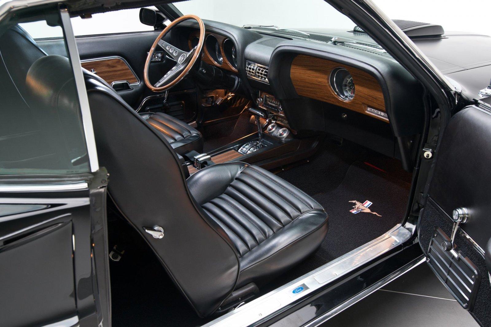 1969 Ford Mustang Mach 8.jpg