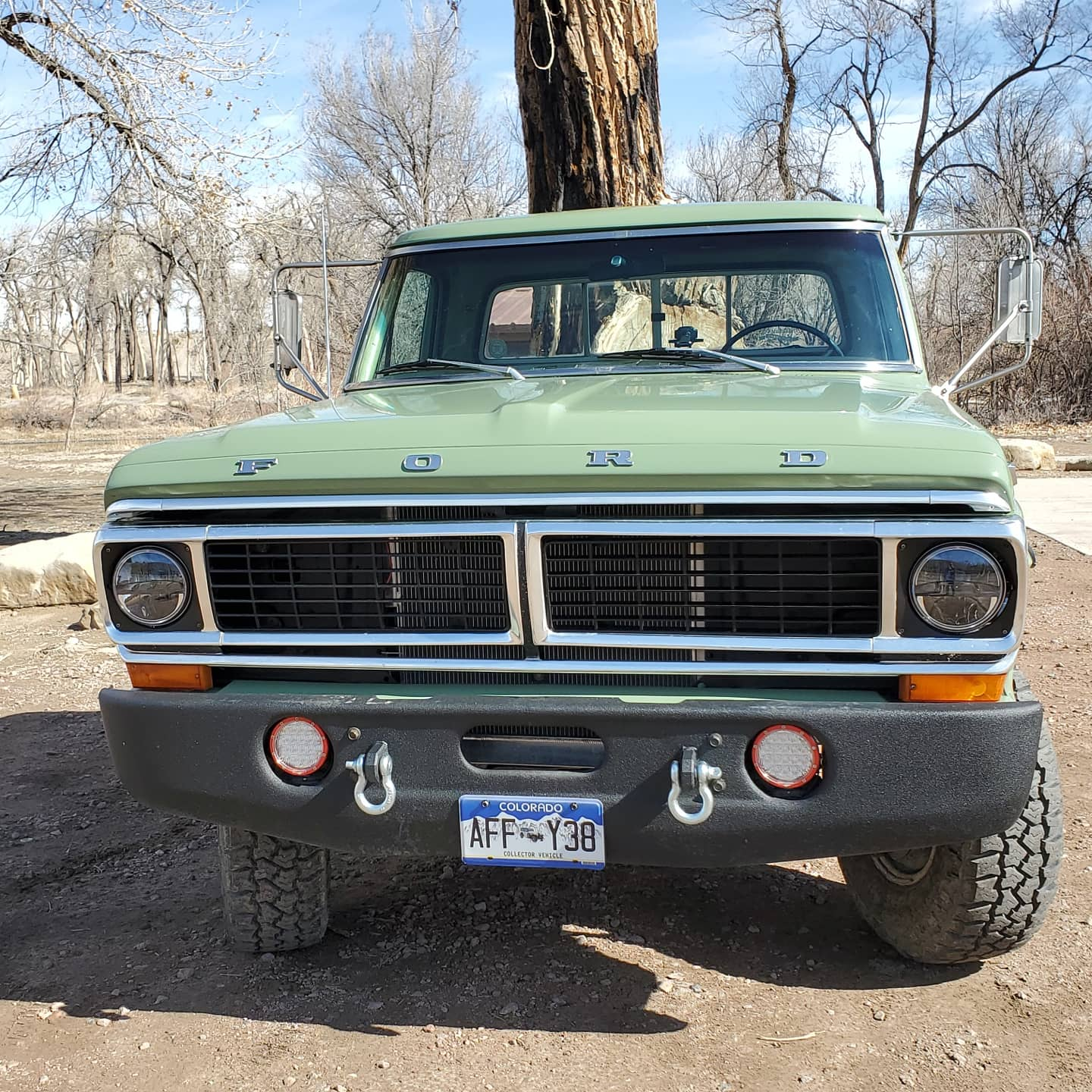 1970 Ford F-250 4x4 Powered By a 460 V8, Boxwood Green 2.jpg