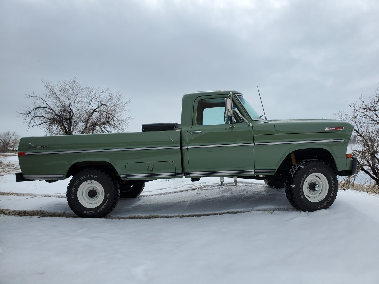 1970 Ford F-250 4x4 Powered By a 460 V8, Boxwood Green 7.jpg