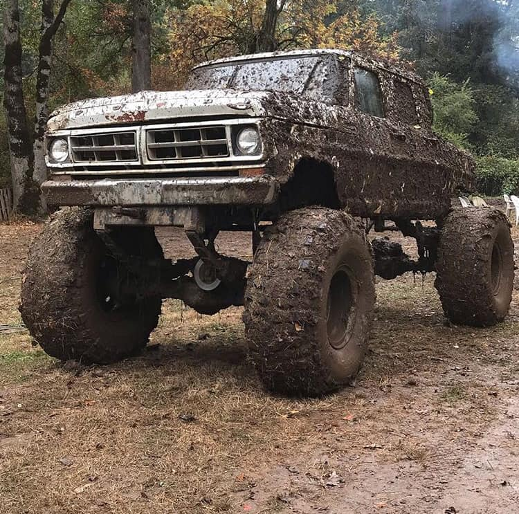 1970 Ford F-350  4x4 Bounty Hole Mud Bog -Video 4 FordDaily.net.jpg
