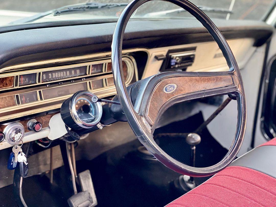 1971 Ford F-250 Highboy 4x4 3.jpg