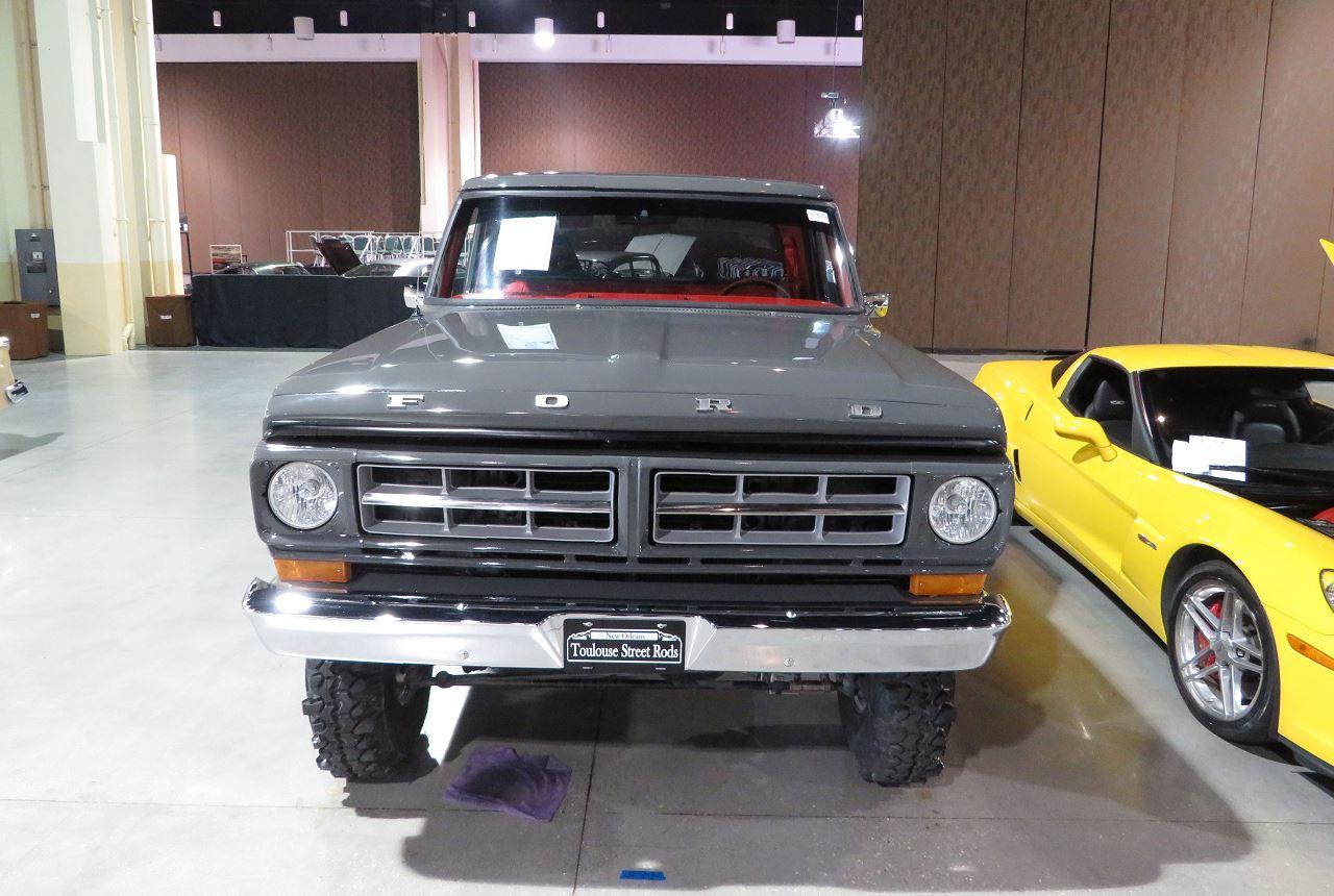 1971 Ford F100 Rebuild 5-Speed On Super Swampers 2.jpg
