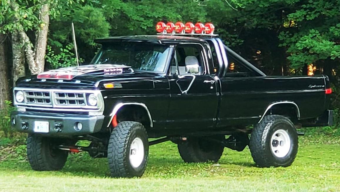 1971 Ford F250 Highboy 3inch Body Lift and Running 37's.jpg