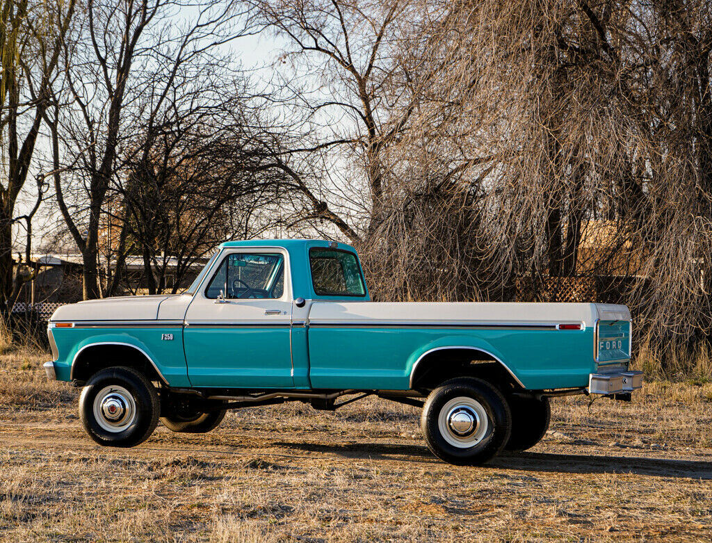 1973 Ford F-250 Highboy Turquoise & White 4x4 - For Sale 3.jpg