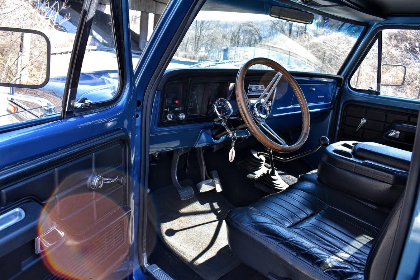 1973 Ford F250 Highboy With Wood Deck Bed 8.JPG