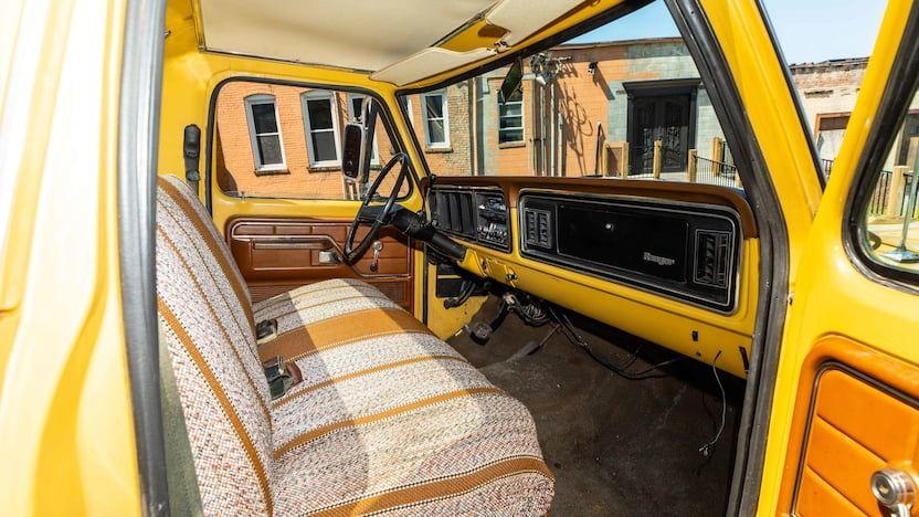 1973-Ford-F350-Ranger-Super-Camper-Is-Up-For-Sale-04.jpg