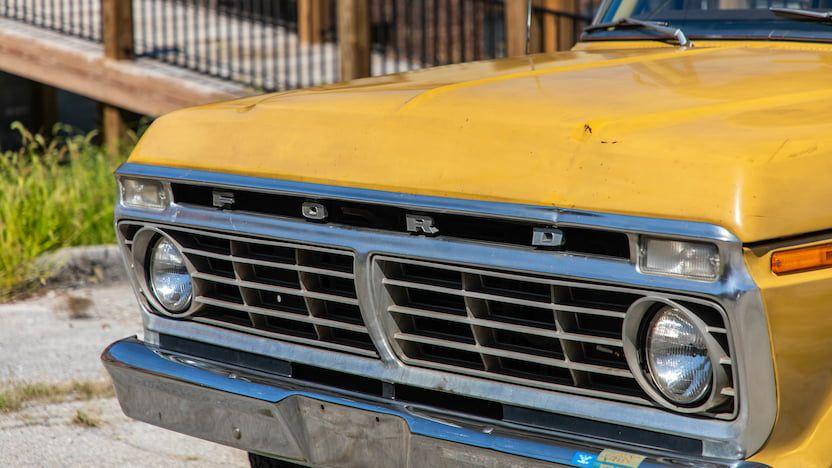 1973-Ford-F350-Ranger-Super-Camper-Is-Up-For-Sale-07.jpg