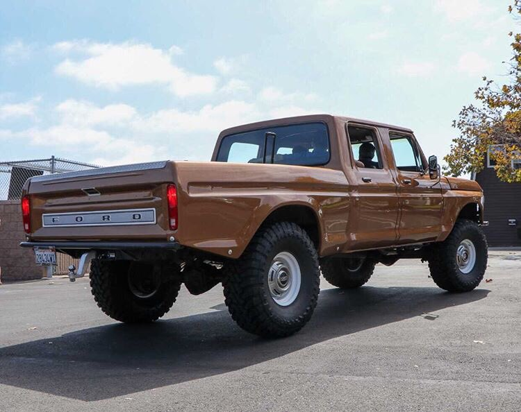 1974 Ford F-250 Crew Cab 4x4 Sequoia Brown  2.jpg
