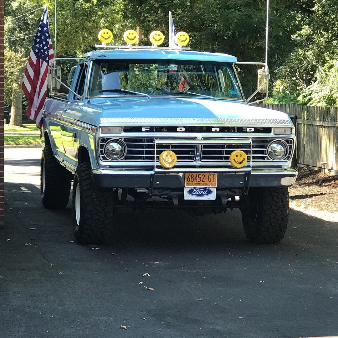 1974 Ford F-250 With a 360 V8 4 Speed 4x4 4.jpg