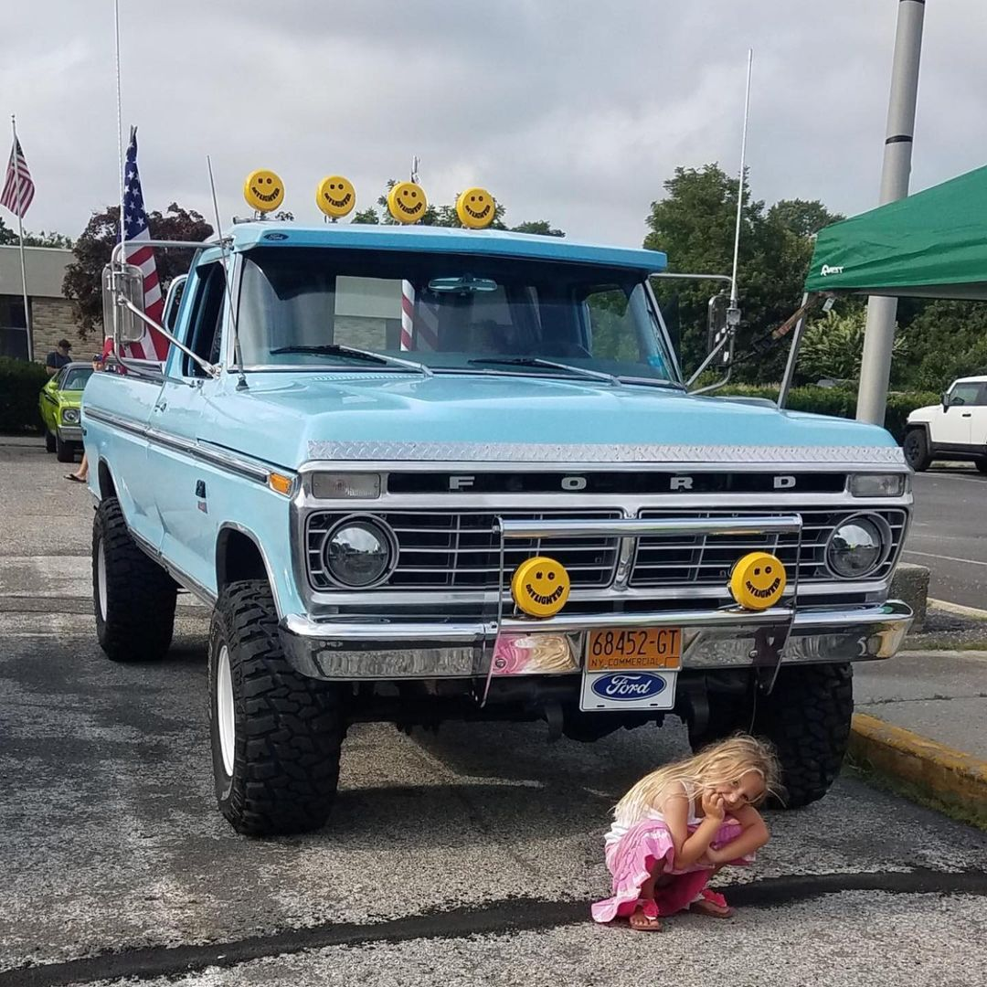 1974 Ford F-250 With a 360 V8 4 Speed 4x4 7.jpg