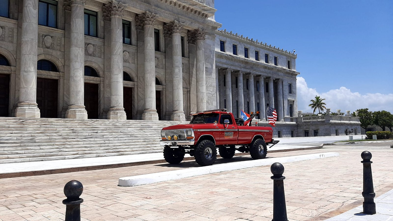 1974 Ford F-350 Towing Truck 4x4 2.jpg