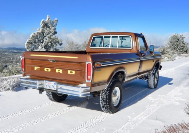 1974 Ford F250 4-Speed 360ci V8 4×4 2.jpeg