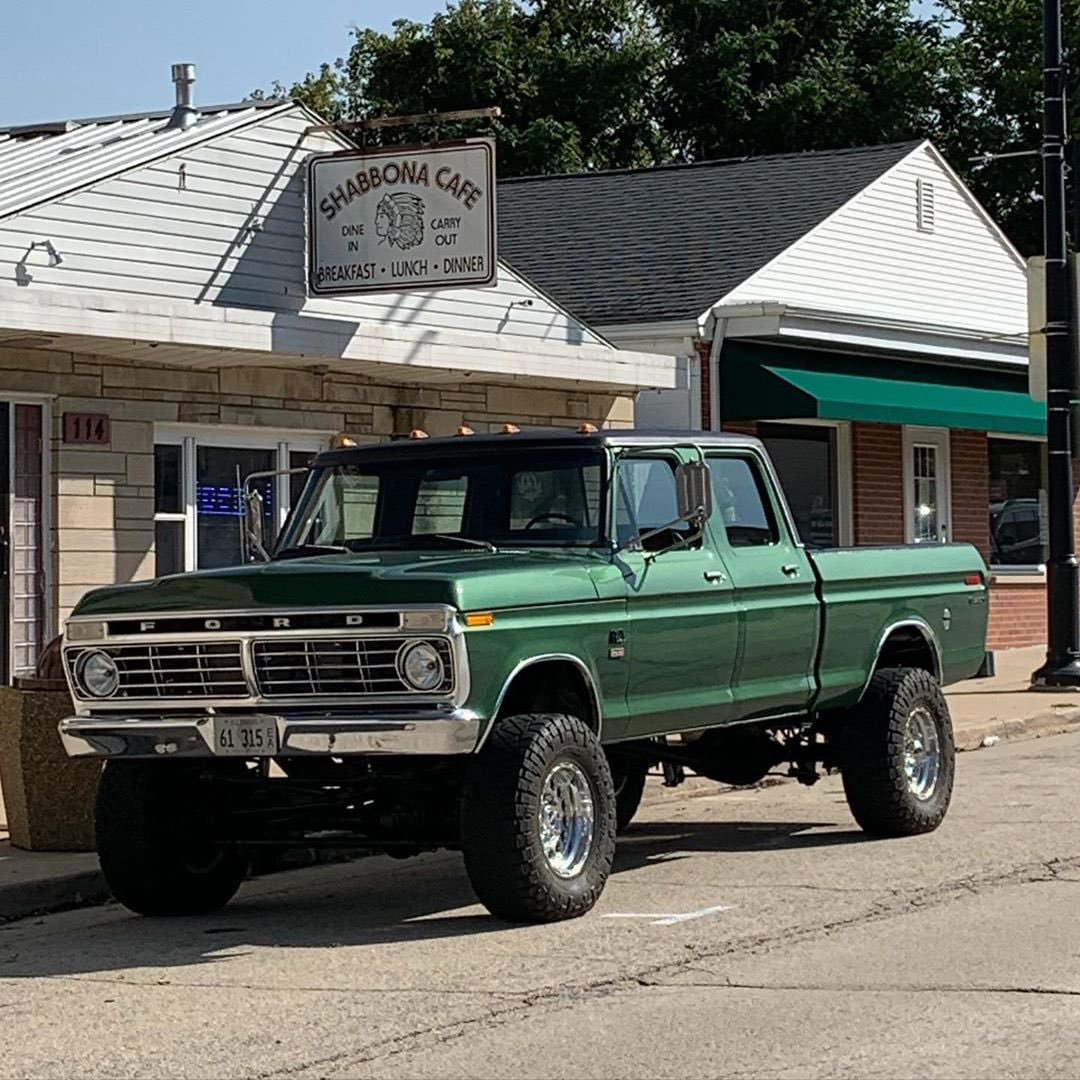1974 Ford F250 Crew Cab With a 5.0 Coyote 4x4 2.jpg