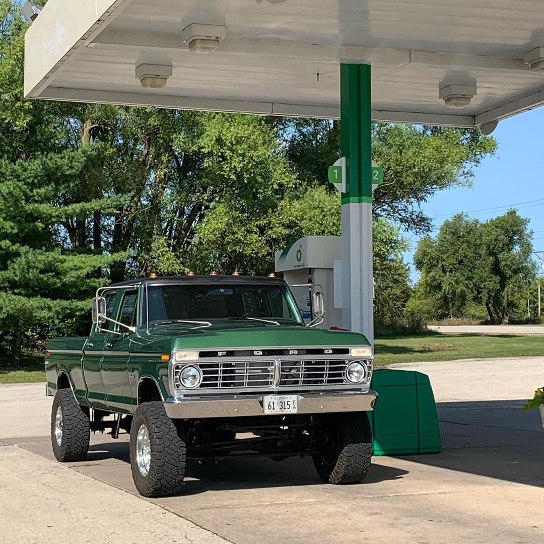 1974 Ford F250 Crew Cab With a 5.0 Coyote 4x4 3.jpg