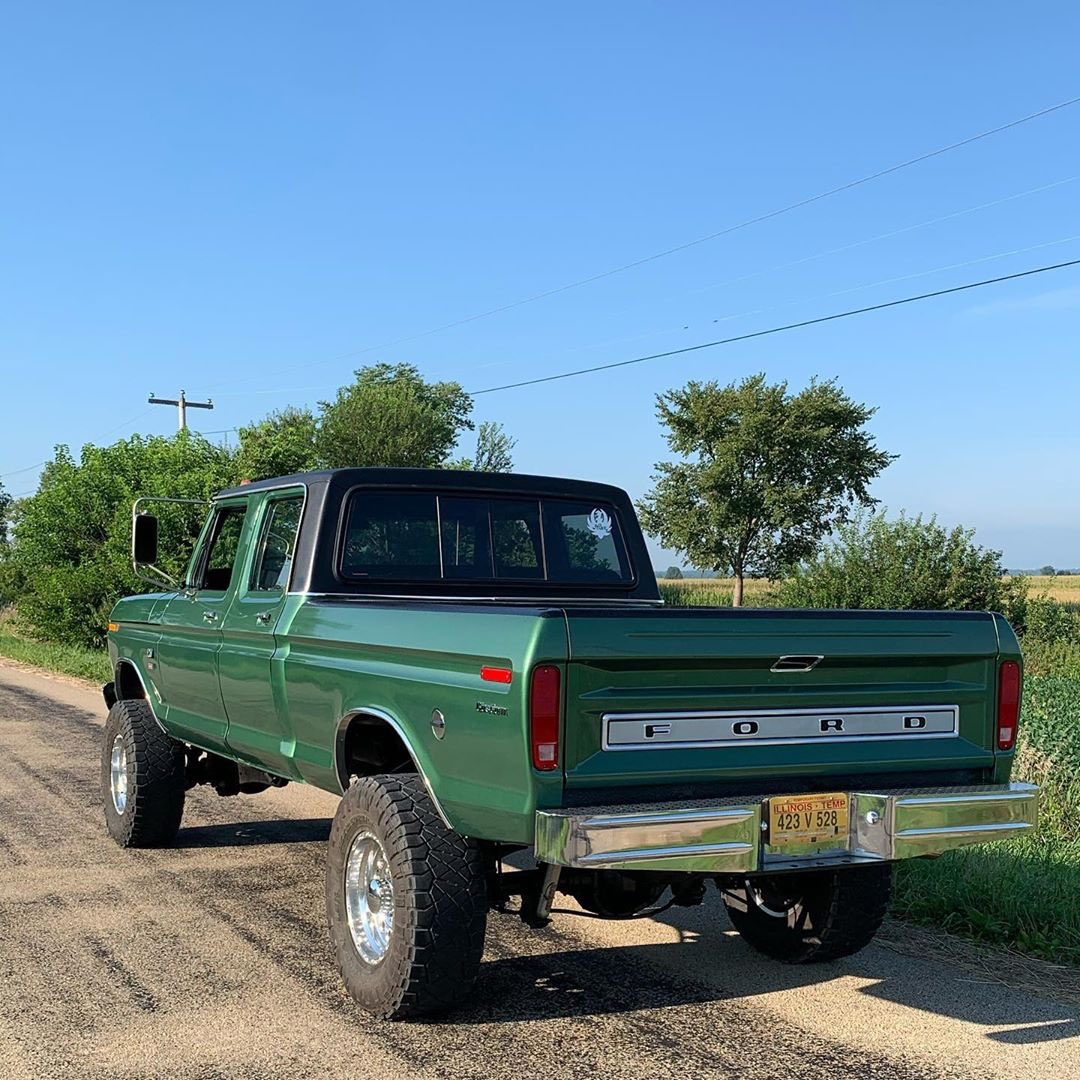1974 Ford F250 Crew Cab With a 5.0 Coyote 4x4 4.jpg