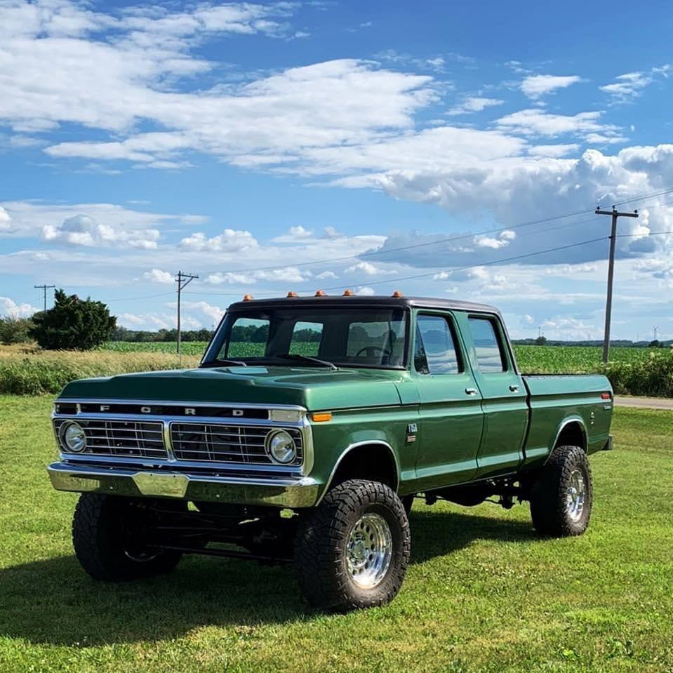 1974 Ford F250 Crew Cab With a 5.0 Coyote 4x4 9.jpg