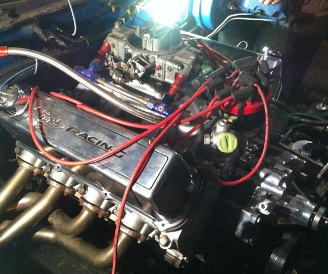 1974-Ford-F250-Engine.jpg