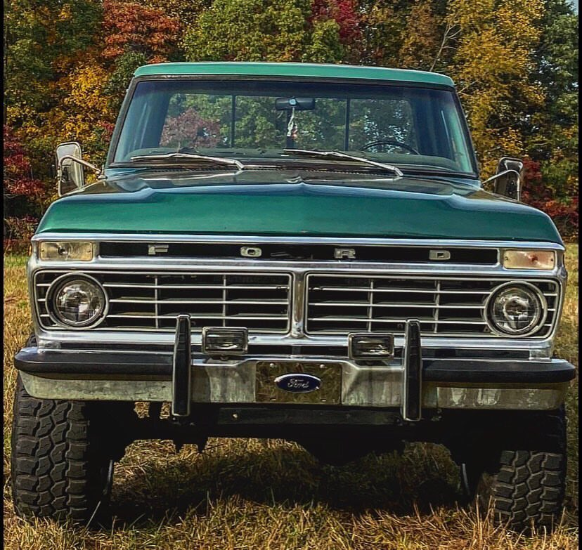 1974 FORD F250 HIGHBOY 4WD TWO TONE 2.jpg