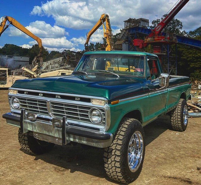 1974 FORD F250 HIGHBOY 4WD TWO TONE 3.jpg
