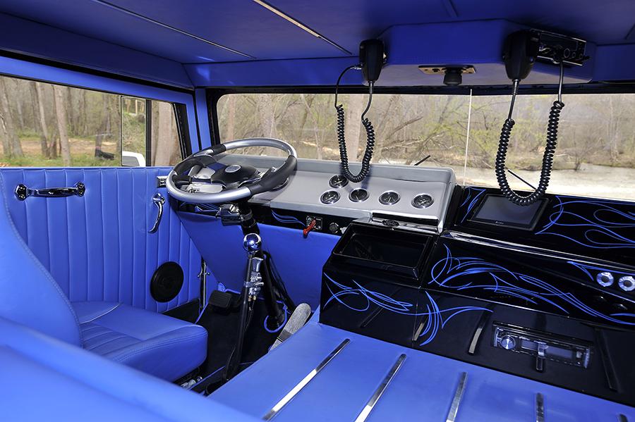 1974 Ford W9000  Low Patrol 4.jpg
