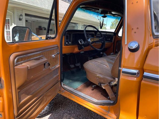 1975 Ford F-250 Ranger XLT Chrome Yellow 8.jpg