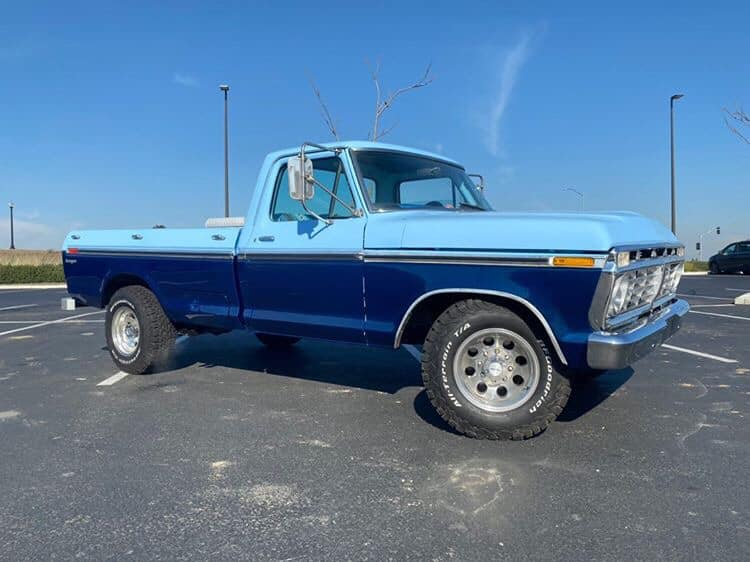 1975 Ford F-250 With a 360 V8 4.jpg