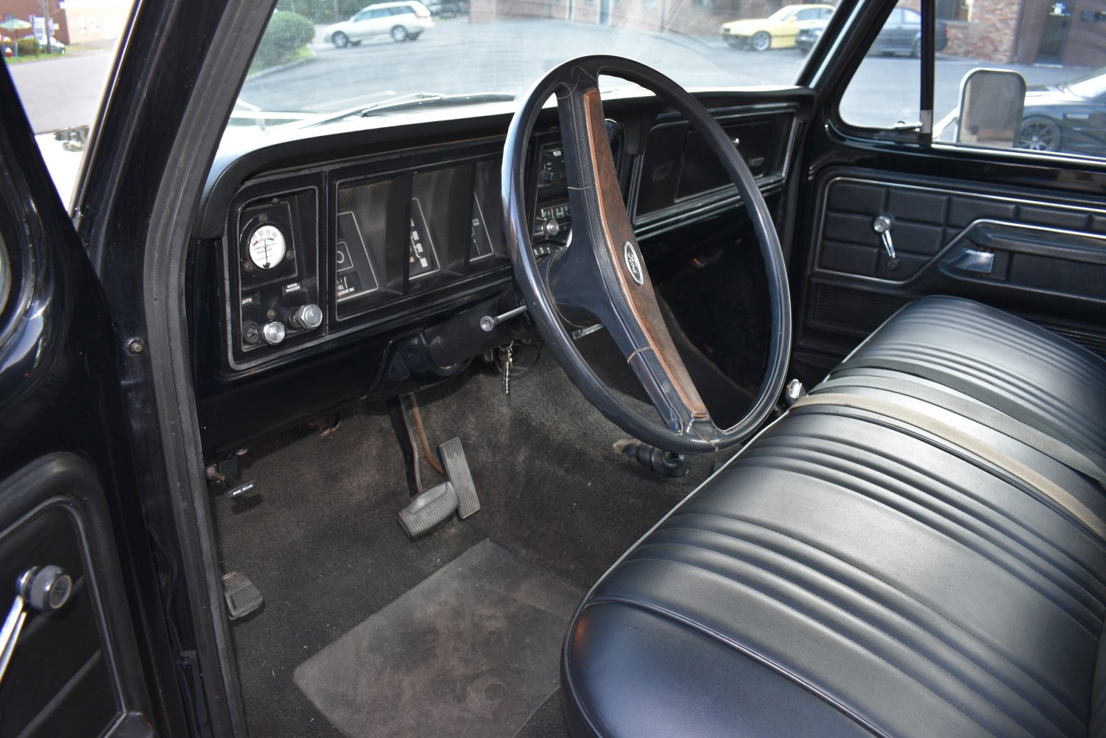 1975 Ford F100 4x4 For Sale 8.JPG