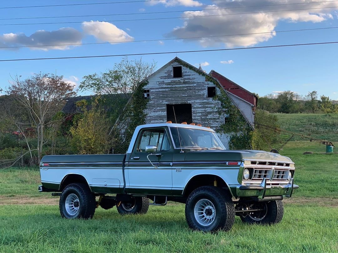 1976 Ford F-250 Highboy Ranger 4x4 4.jpg