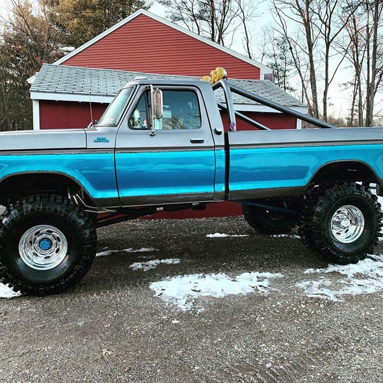 1976 Ford F-250 With a 390 FE 40-inch Boggers 3.jpg