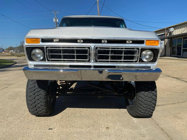 1977 F150 With 8-inch Lift 460 Under The Hood 4.jpg
