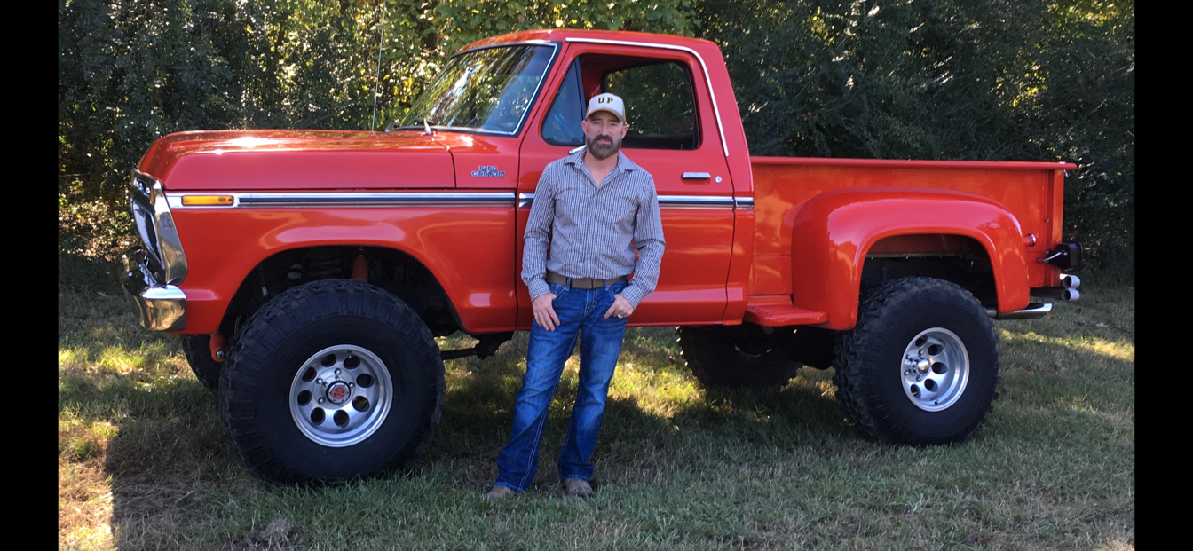 """1977 Ford F-150 6"""" Lift Running 36"""" Super Swampers 10.png"""
