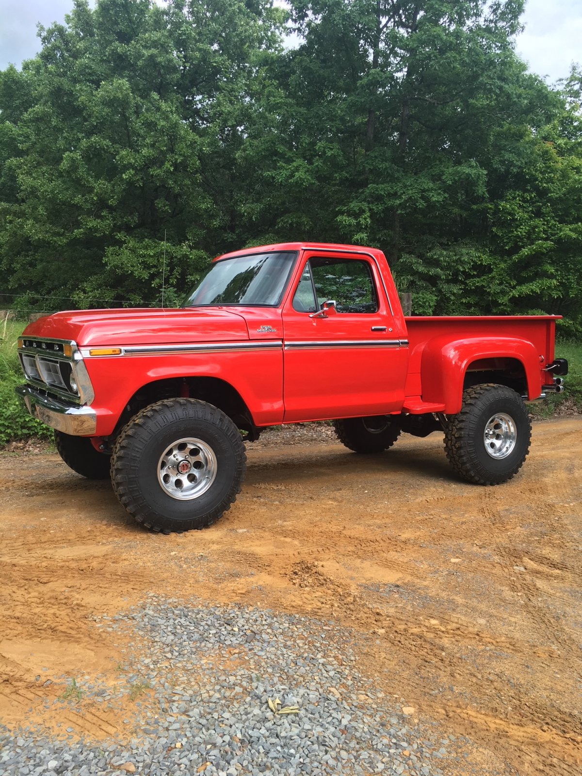 """1977 Ford F-150 6"""" Lift Running 36"""" Super Swampers 4.jpeg"""