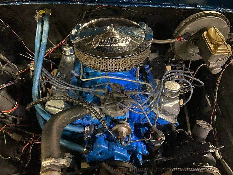 1977 Ford F-150 Ranger Midnight Blue 4x4 4.jpg