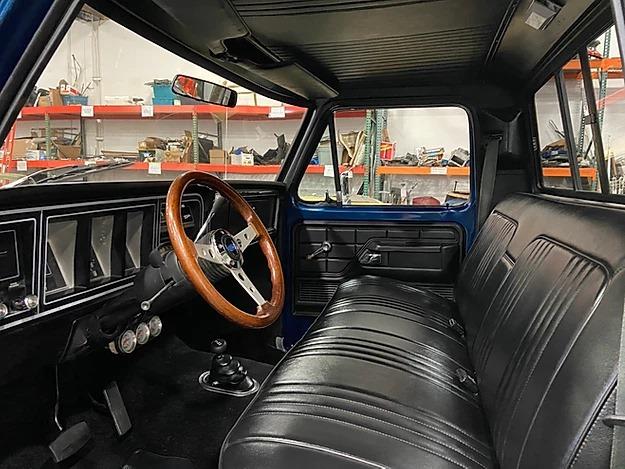 1977 Ford F-150 Ranger Midnight Blue 4x43.jpg