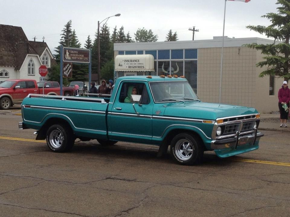 1977 Ford F-150 With a 460 Green 5.jpg
