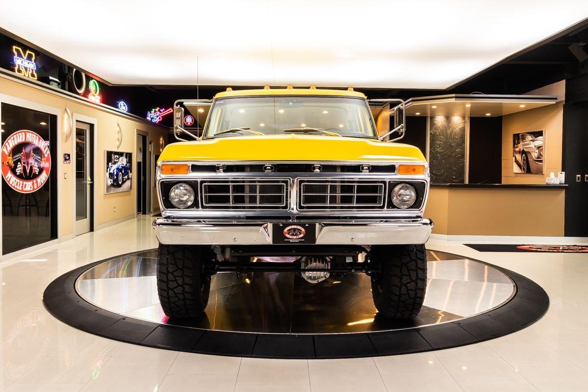 1977 Ford F-250 4x4 Pickup Truck 2.jpg