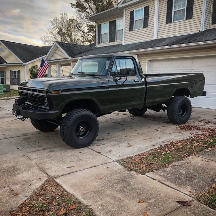 1977 Ford F-250 Highboy Swapped To 460ci 2.jpg