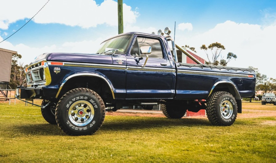 1977 Ford F150 Ranger With 351 Cleveland 4x4 2.jpg
