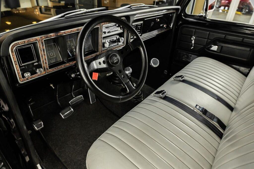 1977-Ford-F150-Ranger-XLT-4X4-Pickup-For-Sale-08-1024x683.jpg